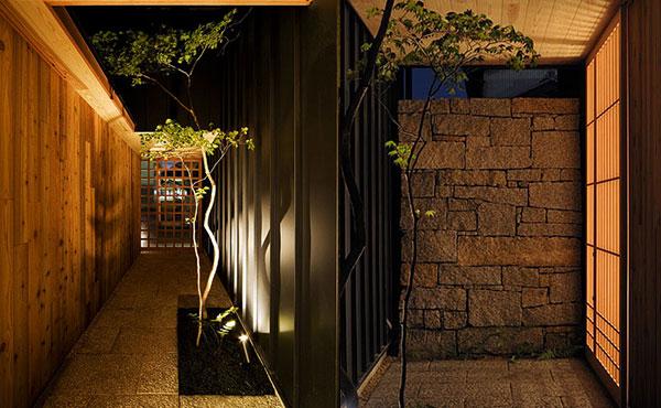 おしゃれなお庭、玄関アプローチ